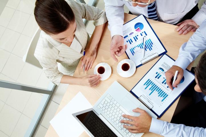 social-data-sales-conversations.jpg